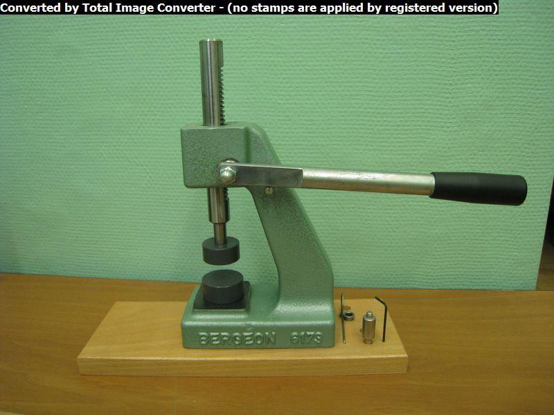 Оборудование для ремонта часов